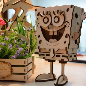 Laser cut a wooden Spongebob model