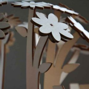 How to make a three dimensional flower